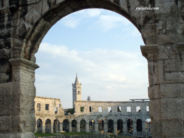 Click to download the The Roman Amphitheater of Pula
