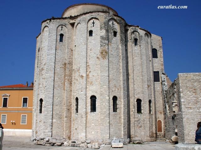 Cliquez ici pour télécharger Saint Donatus' Church...