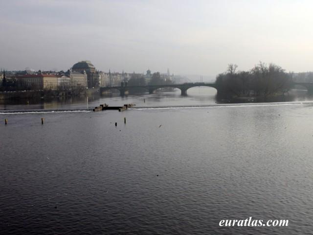 Cliquez ici pour télécharger Prague, the Vltava