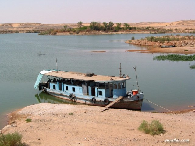 Click to download the Abou Simbel, an Old Ship on the Lake Nasser