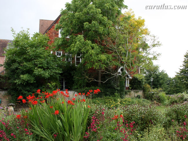 Click to download the A Small Garden at Salisbury