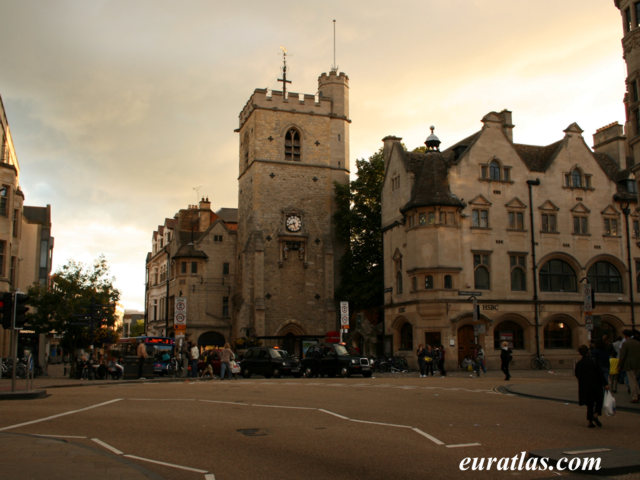 Cliquez ici pour télécharger Carfax Tower, Oxford