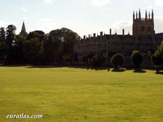 Cliquez ici pour télécharger Merton Field, Oxford