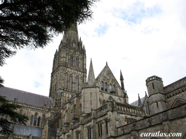 Click to download the Salisbury Cathedral
