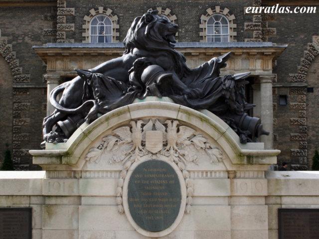 Cliquez ici pour télécharger War Memorial, Salisbury