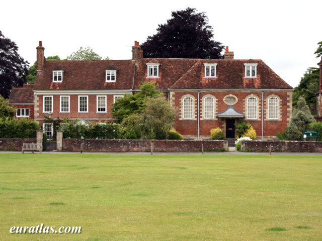 Cliquez ici pour télécharger Wren Hall, Salisbury