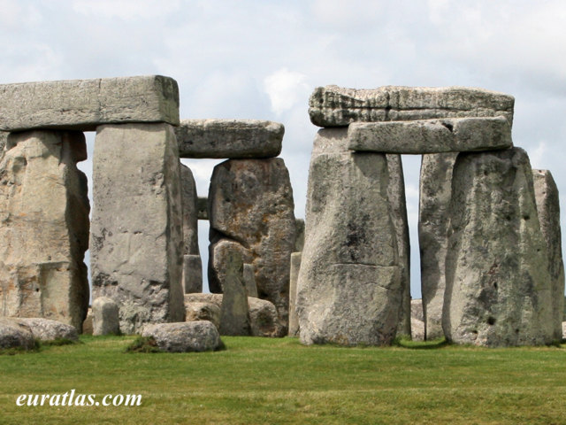 Click to download the Outer Circle and Triliths, Stonehenge