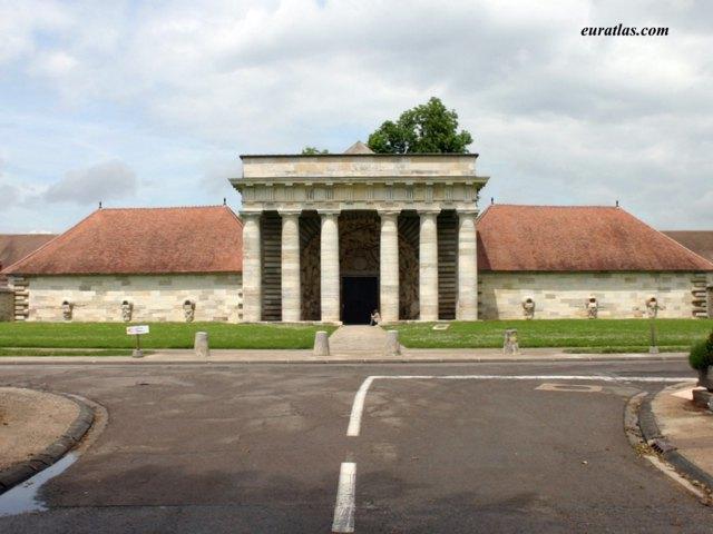 Click to download the Arc-et-Senans, the Main Entrance