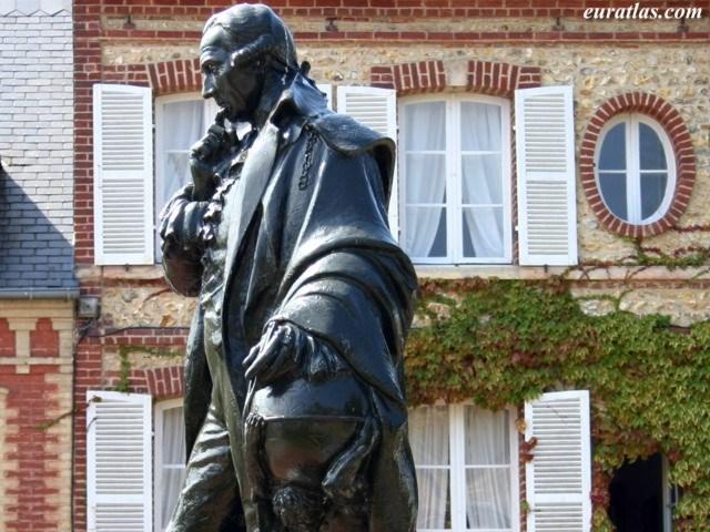 Click to download the Pierre-Simon de Laplace, Beaumont-en-Auge