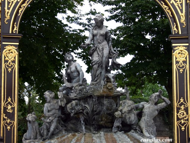 Click to download the Fountain of Amphitrite, place Stanislas, Nancy