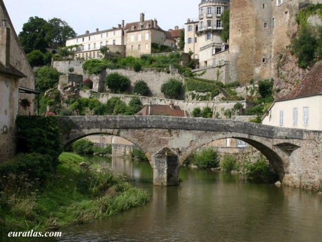 Click to download the Pinard Bridge, Semur-en-Auxois