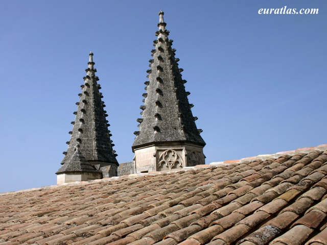 Click to download the Avignon, Turrets of the Champeaux Gate