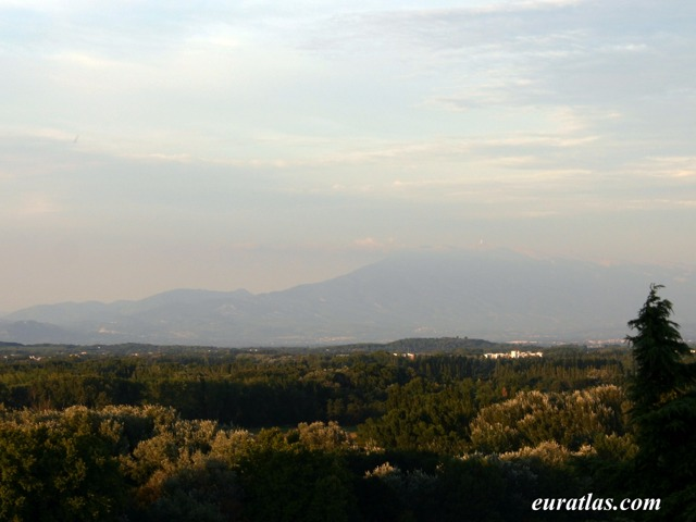 Click to download the Mont Ventoux from Avignon