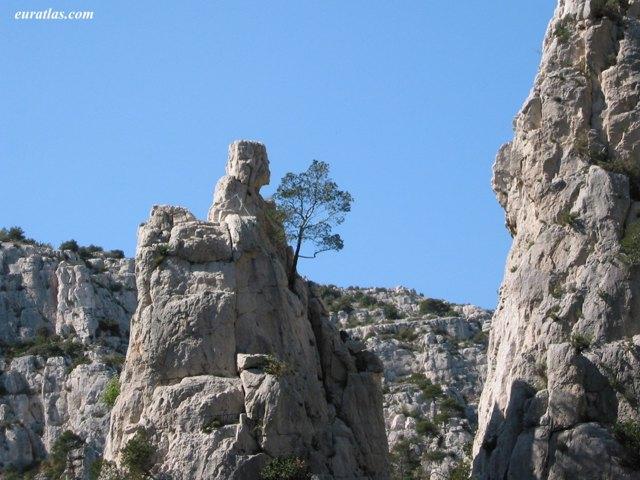 Cliquez ici pour télécharger The Rock of