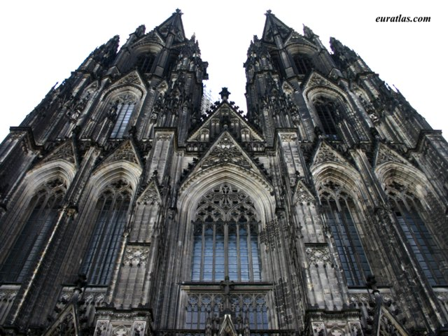 Click to download the Cologne, the Cathedral's Facade