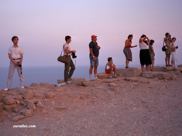 Click to download the Cape Sounion, Tourists Waiting