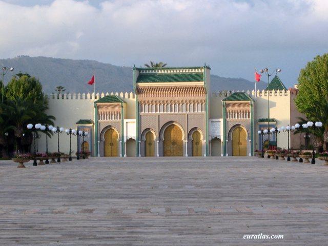 Cliquez ici pour télécharger The Royal Palace