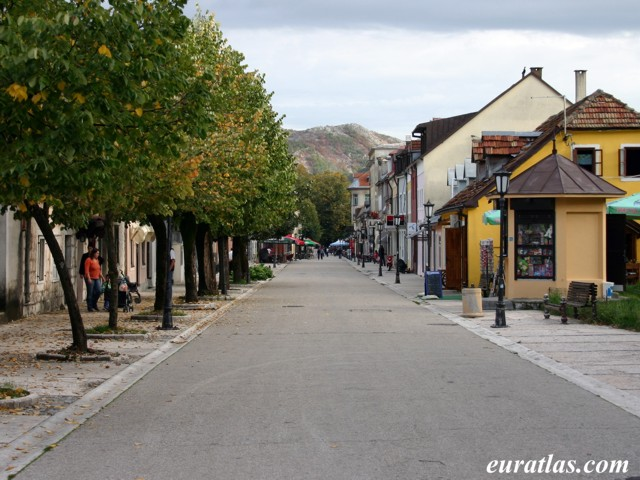 Click to download the Njegoseva Alley, Cetinje