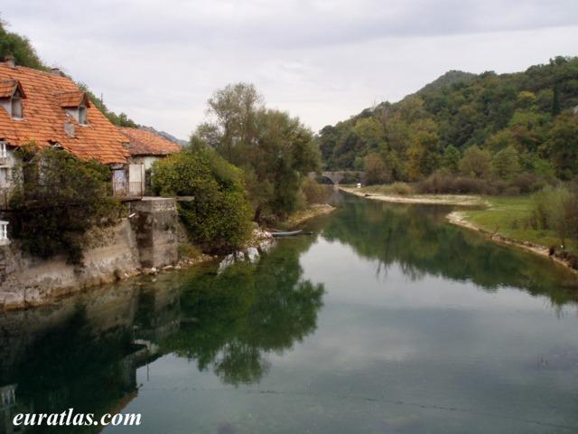 Cliquez ici pour télécharger Rijeka Crnojevica