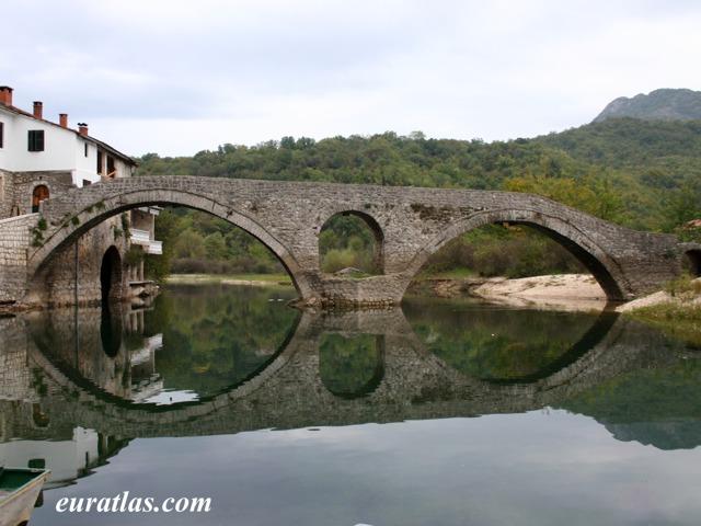 Cliquez ici pour télécharger The Bridge of