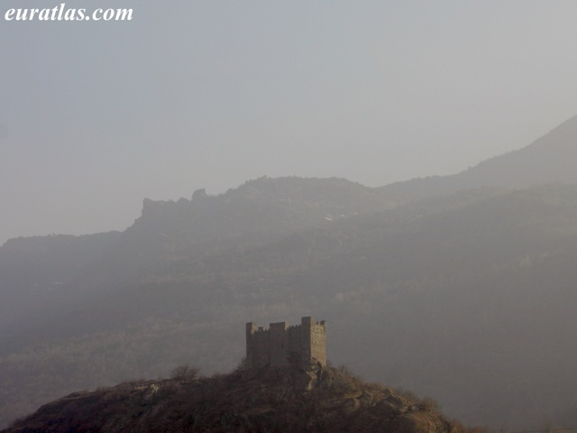 Click to download the Castle of Ussel, near Châtillon, Aosta Valley