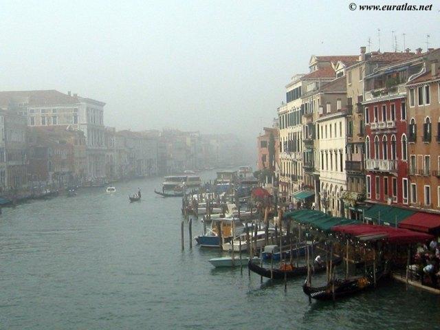 Click to download the Venice, the Canale di Cannaregio