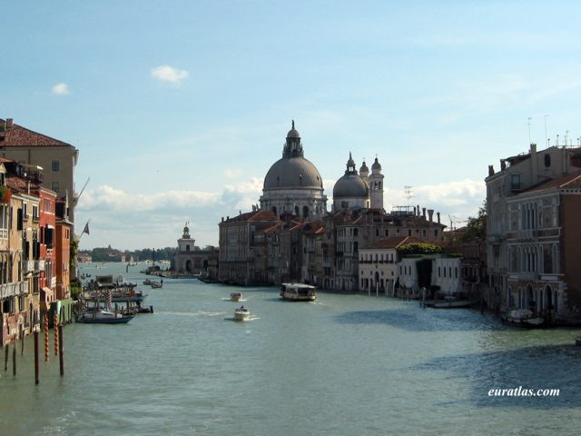 Click to download the Venice, the Grand Canal and the Basilica di Santa Maria della Salute