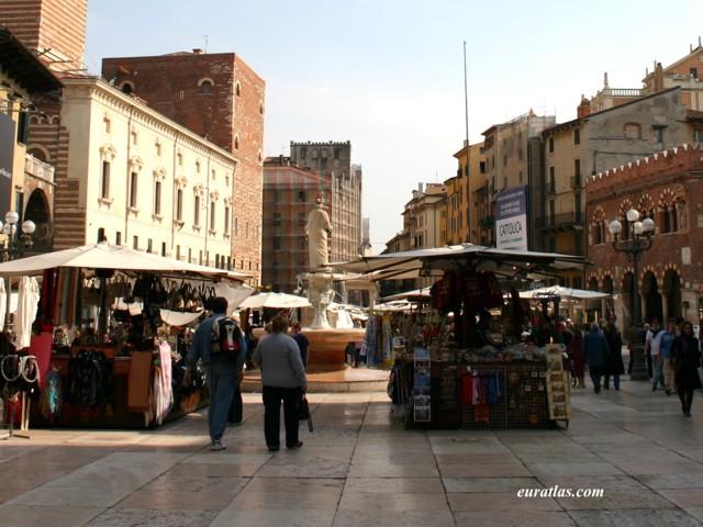 Click to download the Piazza delle Erbe, Verona