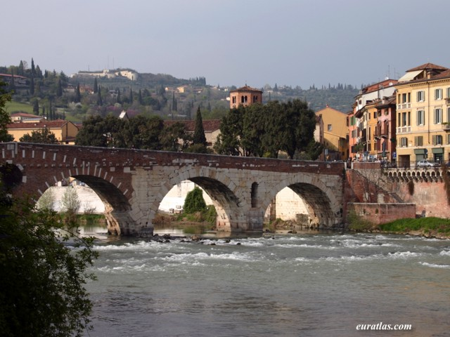 Click to download the Verona, the Ponte Pietra, 100 BC