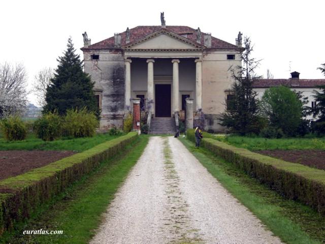 Click to download the The Villa Chiericati at Vancimuglio, by Andrea Palladio, ca. 1553