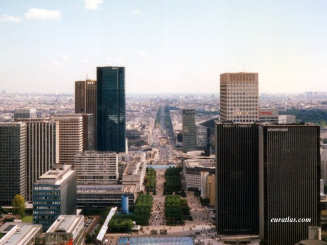 Click to download the Paris from the Grande Arche
