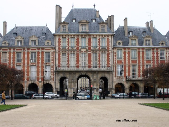 Click to download the The Place des Vosges, 1612