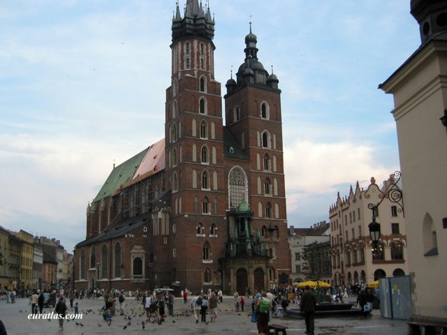 Click to download the Saint Mary's Basilica in Krakow