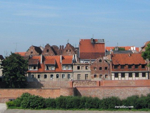 Cliquez ici pour télécharger The Old Town of