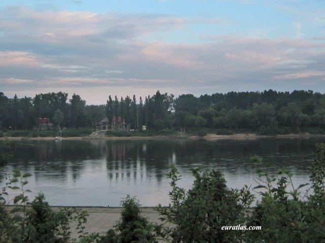 Cliquez ici pour télécharger The Vistula in Torun