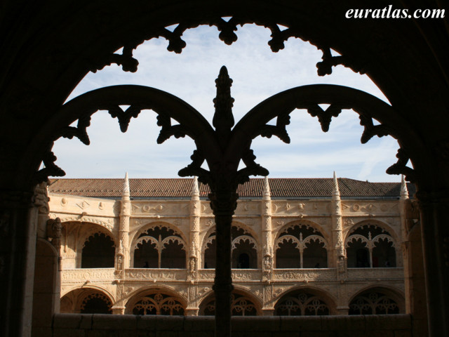 Click to download the Cloister of the Jeronimos Monastery