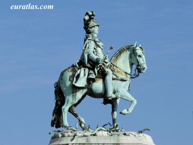 Cliquez ici pour télécharger Statue of King Joseph I