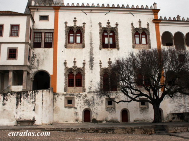 Click to download the Sintra National Palace