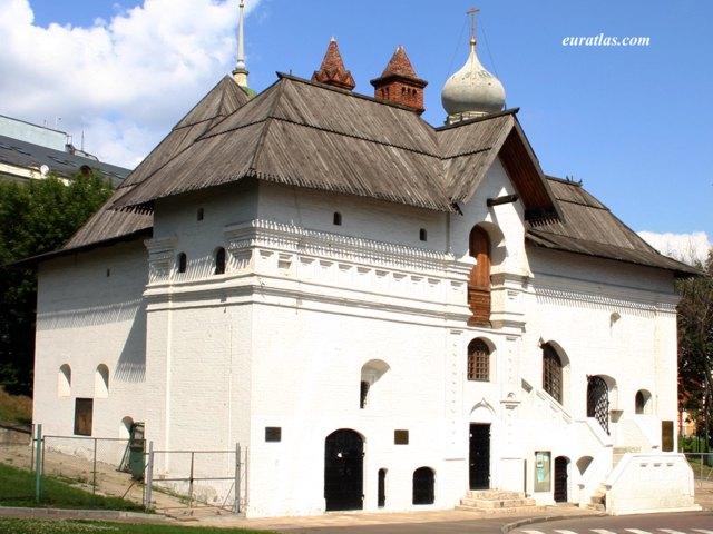 Cliquez ici pour télécharger The Old English Court