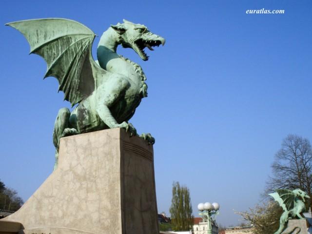 Cliquez ici pour télécharger The Dragon's Bridge