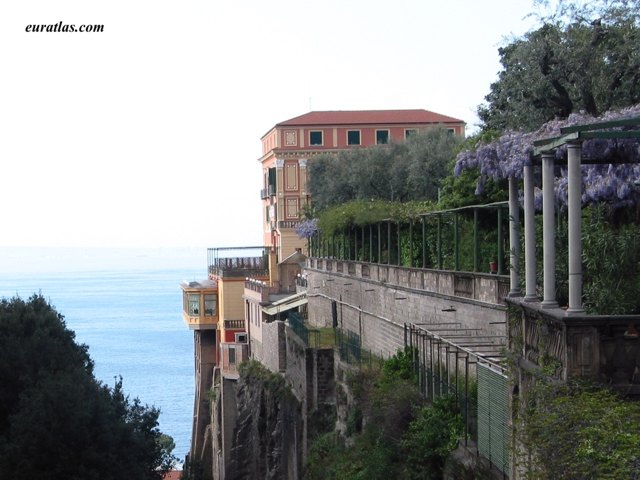 Click to download the Sorrento and the Bay of Naples