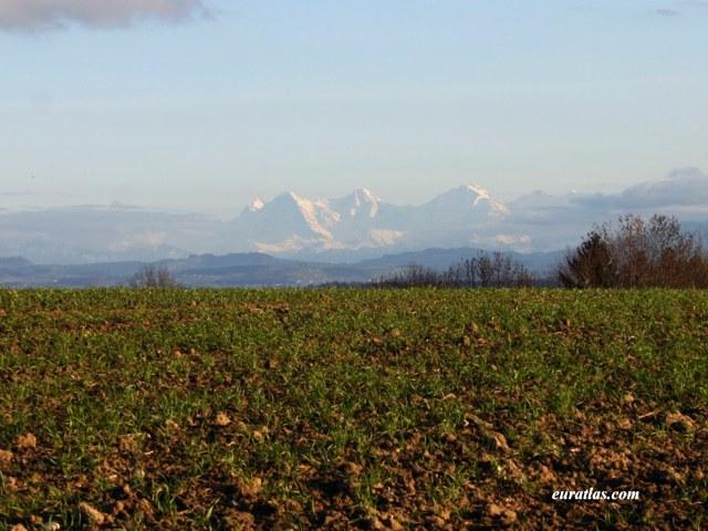 Cliquez ici pour télécharger The Eiger, the Mönch