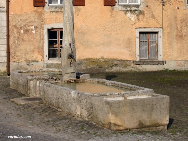 Click to download the A Fountain in Sainte-Ursanne