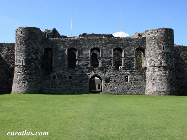 Cliquez ici pour télécharger Beaumaris Castle