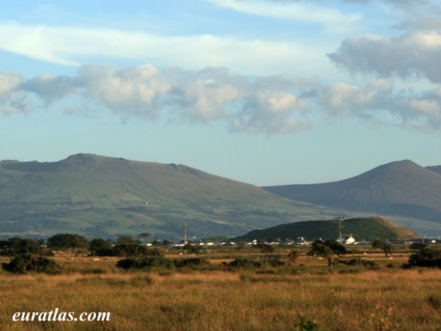 Click to download the Dinas Dinlle