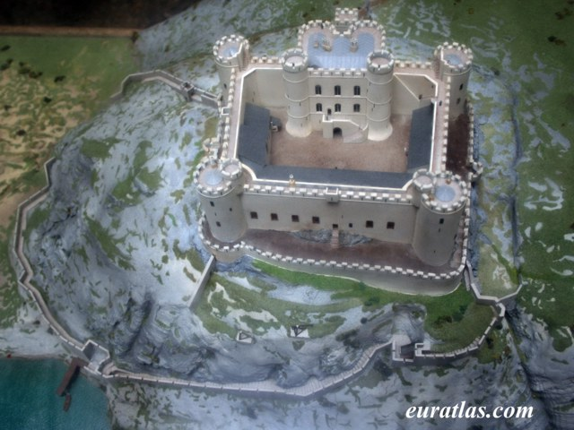 Cliquez ici pour télécharger Harlech Castle Model
